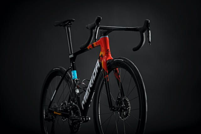 Merida 2022 Scultura Team is lighter, more aero and includes wireless Shimano Dura-Ace 12 speed thumbnail