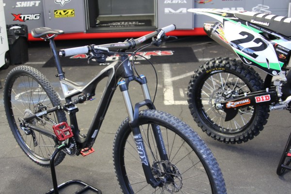 Chad Reed Race Bike and MTB (3)