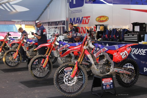 Lucas Oil Team Honda Pits
