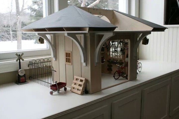 The Doll House Garage (6)