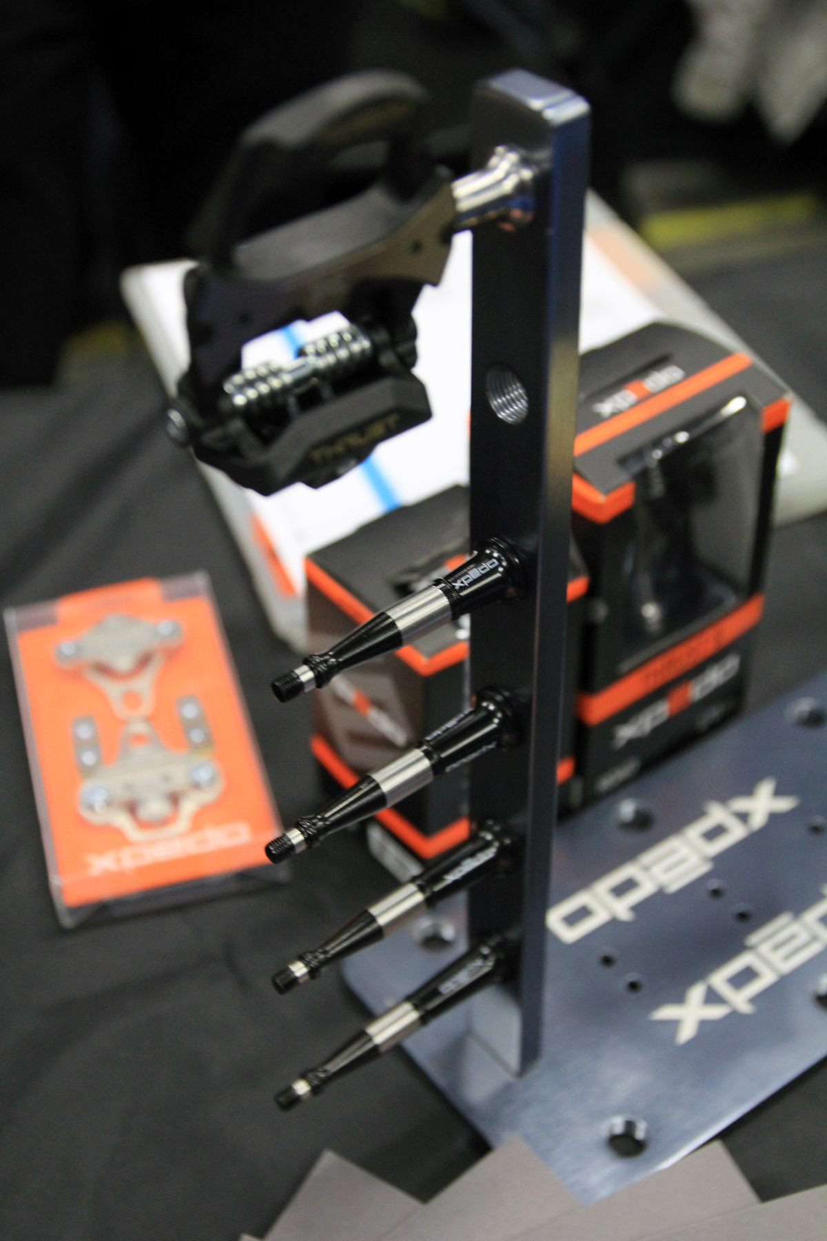 Frostbike: xpedo Shows new Jek Platform Pedals, Varying Spindles for Thrust 8s