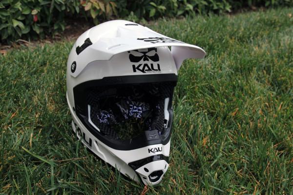 Kali helmets 2014 Shiva road helmet gloves20140130_0766