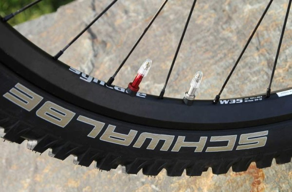 Syntace x Schwalbe dual chamber mountain bike tire system allows super low air pressure