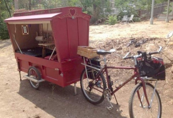Bicycle-Micro-Wagon-artists-trailer-store