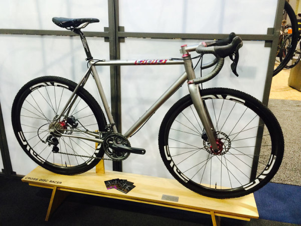 Cielo-Cyclocross-Racer-steel-cross-bike