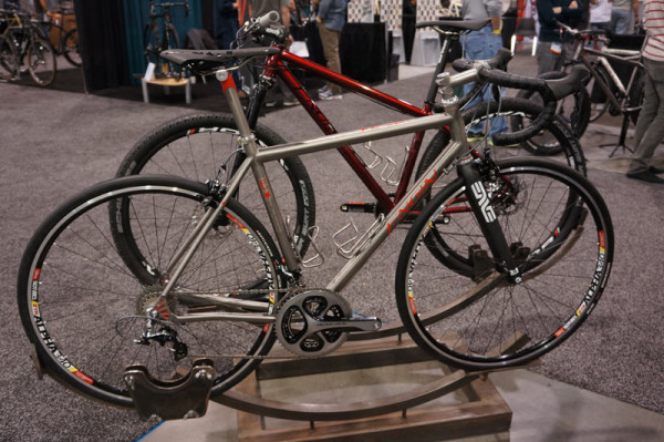 NAHBS2014-Engin-custom-titanium-road-bike01