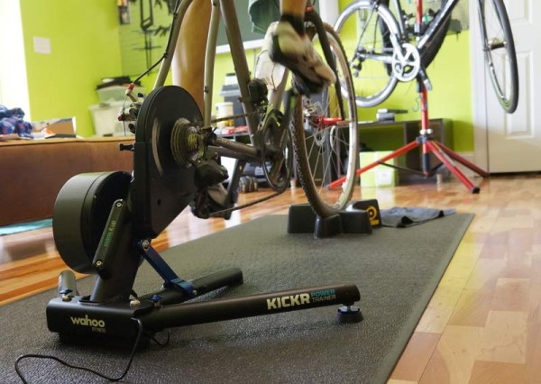 Wahoo Fitness Kickr Trainer review with power measurement and iPhone app controlled settings