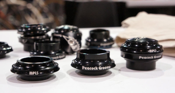 peacock groove headsets with integrated top cap and spacer