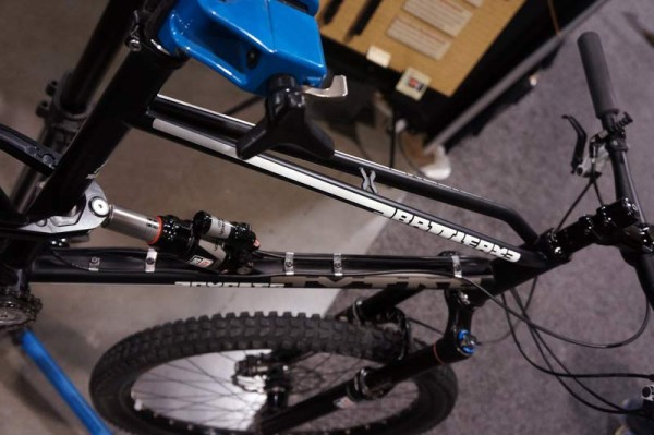NAHBS2014-battleaxe-full-suspension-mtb-geared-hub03