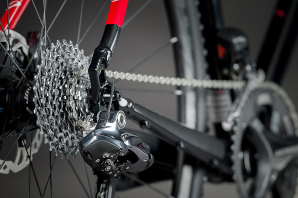 Niner RLT9 Di2 with new black color scheme and Niner CX Carbon wheels