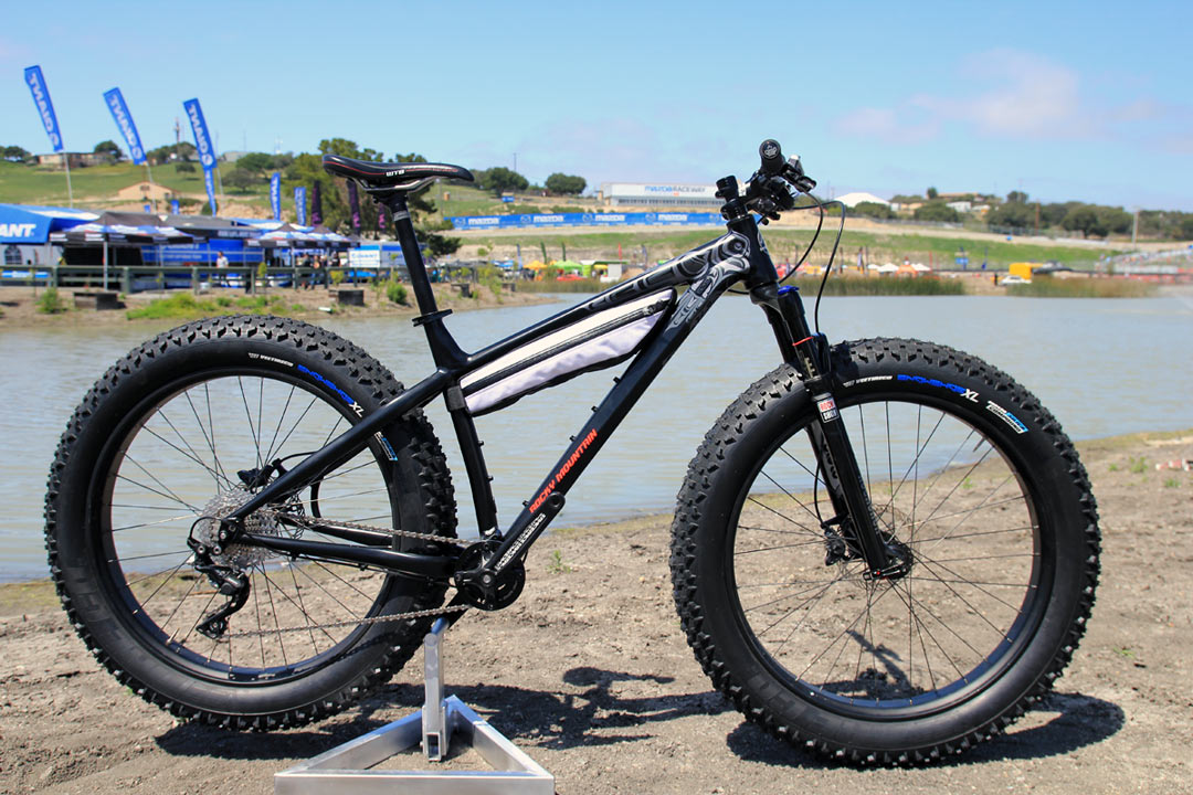 Soc14 Up Close With The Rocky Mountain Blizzard Fat Bike Bikerumor