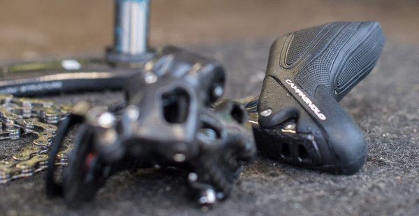 2015-Campagnolo-Super-Record-mechanical-shifters