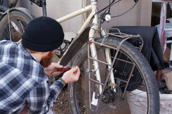 Blackburn-Outpost-Front-bicycle-cargo-rack