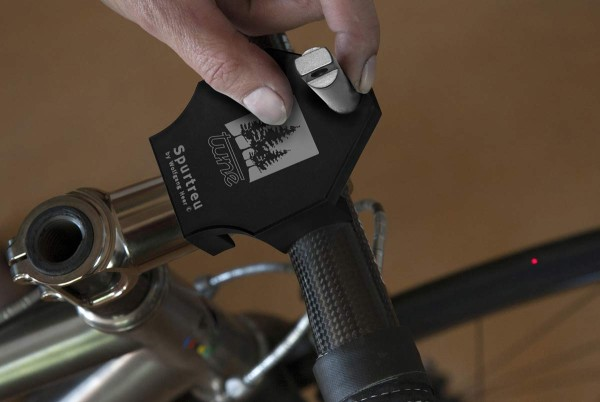 Tune Spurtrue laser alignment for bicycle handlebars and front wheels