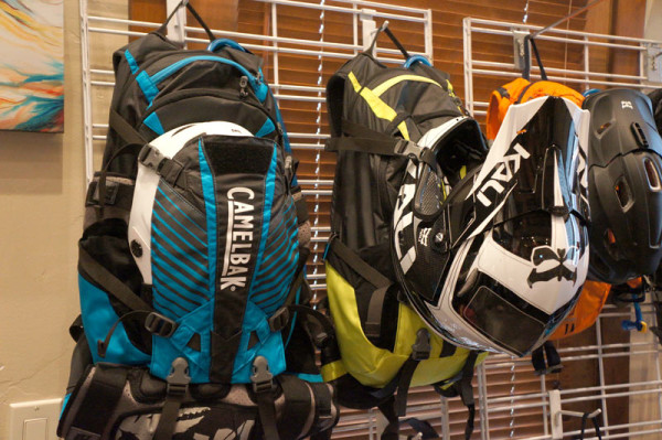 2015-camelbak-kudu-hydration-pack-with-spine-protection01