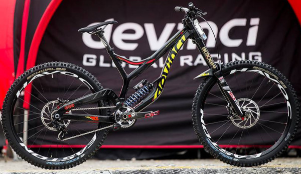 Steview Smith 275 dh devinci