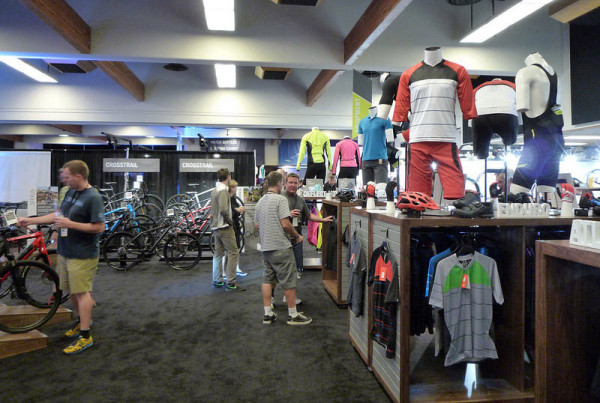 2015-specialized-apparel-overview