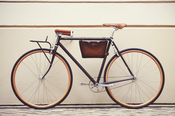 Berlutti_x_Victoire_Cycles_collaboration_concept_porteur_custom_bicycle