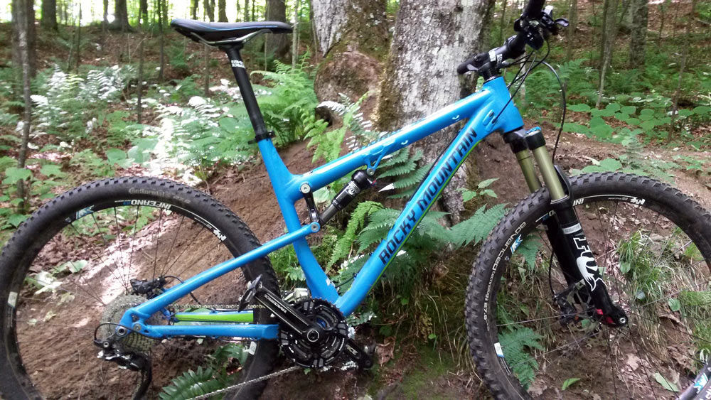 One Ride Review Rocky Mountain Thunderbolt Short Travel Xc Trail