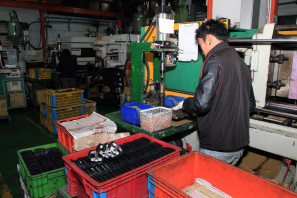 VP Components Modus Taiwan Factory Pedal Production Tour381