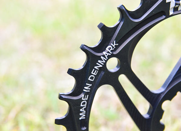 T-Bolt narrow-wide chainring with 104BCD and SRAM direct mount options