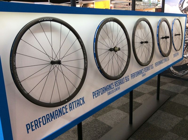reynolds assault strike performance carbon wheels go tubeless with more disc brake options