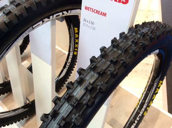 how to change mountain bike tire to road tires