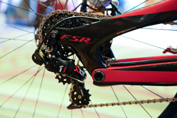 Aaron Gwin 650b Carbon Specialized Demo_002