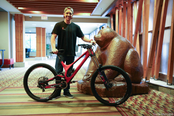Aaron-Gwin-Specialized-Demo-650b-Carbon