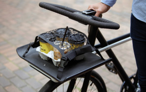 SEA-DENNY-The-front-of-the-bike-frame-functions-as-a-carry-tray-with-a-flexible-netting-design-that-caters-even-for-the-morning-coffee-run
