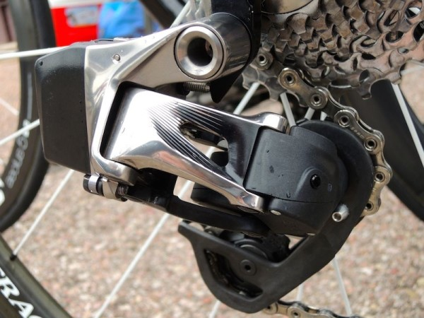 SRAM_New_Red_Wireless_Electronic_Rear_Der_4