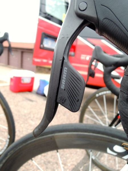 SRAM_New_Red_Wireless_Electronic_Shift_Leaver_2