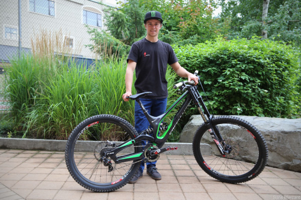 Troy Brosnan 650b Carbon Specialized Demo_1