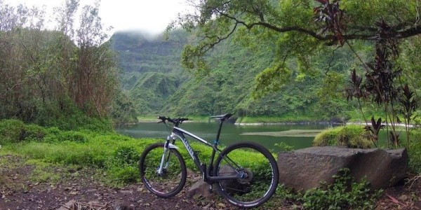 bikerumor pic of the day Lakeside Vaihiria in Tahiti, French Polynesia with my Canyon bike