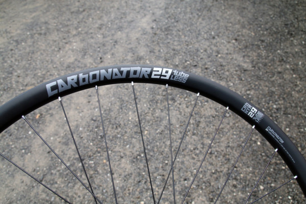 American Classic Carbona carbon wheels sprint 340 tubeless (2)
