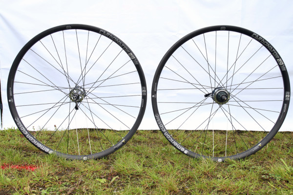 American Classic Carbona carbon wheels sprint 340 tubeless (6)