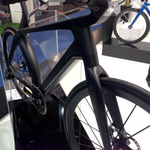 Lightweight_Velocite_Project_eBike_pedelec_concept_bike_front_three-quarter