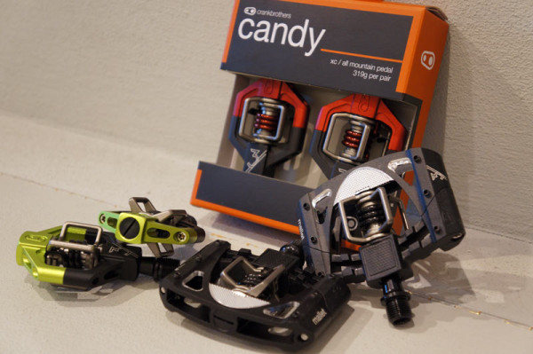 crank brothers limited edition colors for mountain bike pedals