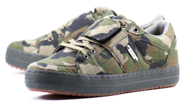 DZR-camo-dice-camo-urban-cycling-shoes-1