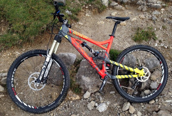 Bionicon_Edison_EVO_enduro_27-5inch_650b_mountain_bike_orange_on-trail_descend-mode