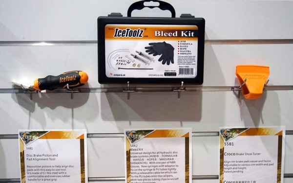 IceToolz disc brake bleed kit and caliper alignment tools