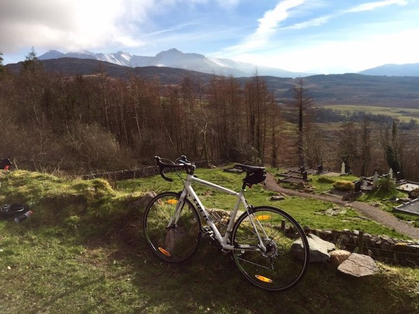 bikerumor pic of the day cycling Carrauntoohil in the Macgillycuddy reeks range, ireland