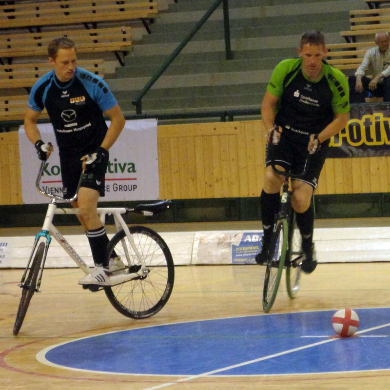UCI-Cycle-Ball_World-Cup_RC-Hochst-2_face-off