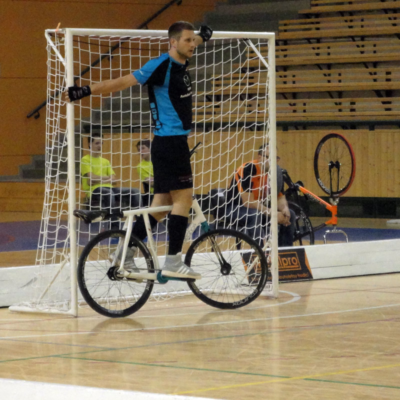 UCI-Cycle-Ball_World-Cup_RC-Hochst-2_goalkeeping