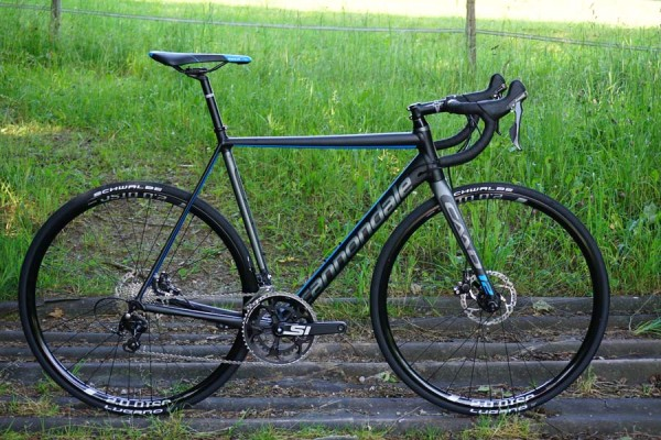 2016 Cannondale CAAD12 lightweight alloy road bike