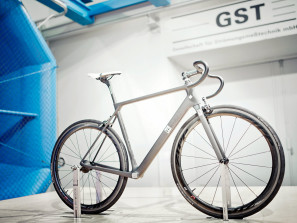 Canyon_new_Ultimate-CF-SLX_prototype-wind-tunnel-testing_by-Rene-Zieger