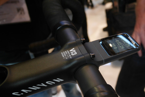 Canyon_Smart-Bike-Computer_V13-faceplate-mount_time-speed