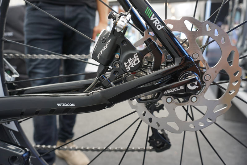 UCI to allow disc brakes for all pro road teams starting ...