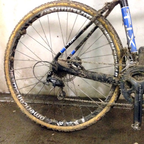 American-Classic_Aluminum-Disc-Brake_tubular_road-cyclocross-wheelset_Challenge-Baby-Limus_post-race-caked-mud-cx-detail