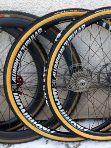 American-Classic_Aluminum-Disc-Brake_tubular_road-cyclocross-wheelset_Challenge-Baby-Limus_winter-cx-wheels-detail